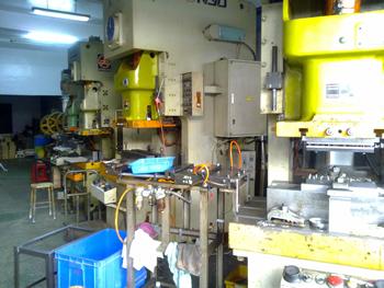 氮氣缸專用配件生產機器設備